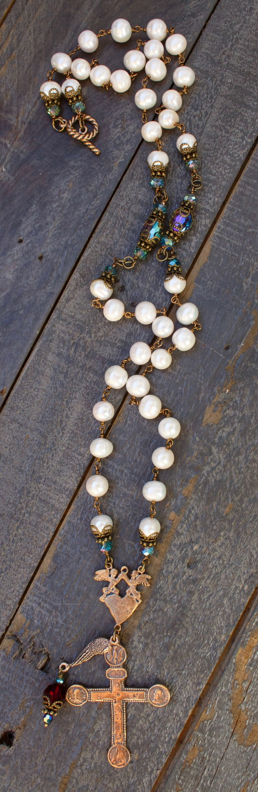 Cream Fresh Water Pearl with Aqua Crystal Necklace – 8-9mm