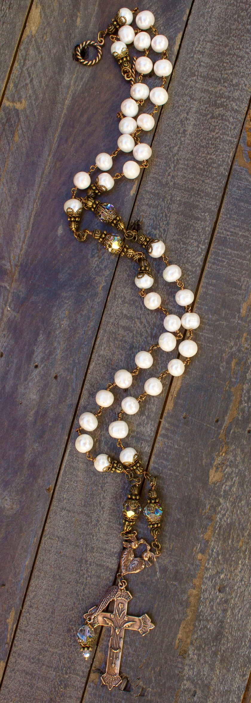 Cream Fresh Water Pearl with Clear Crystal Necklace – 8-9mm
