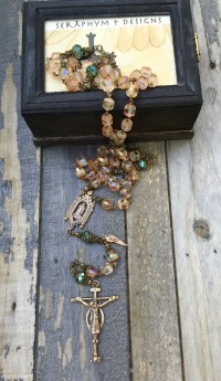 Champagne Glass Rosary – 10mm